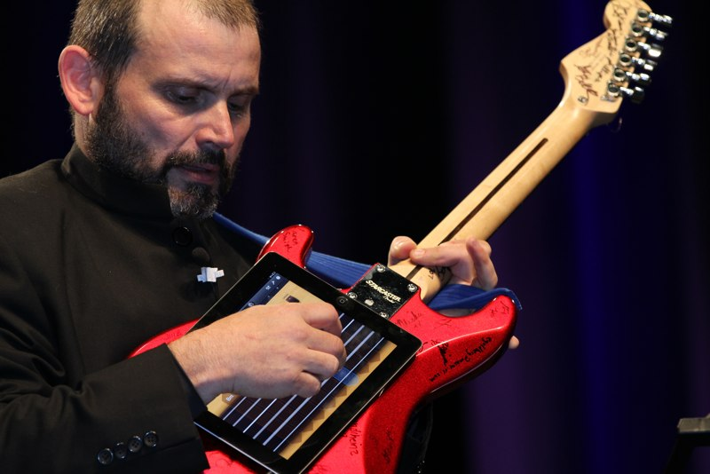 Kevin Honeycutt plays iPad guitar.